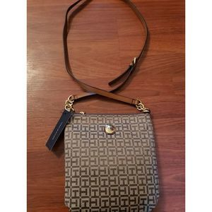 NWT Tommy Hilfiger Purse